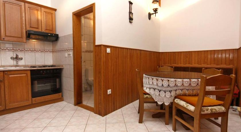 Apartment Podstrana 6113a