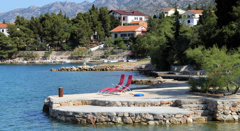 Beach Quadruple Room Starigrad 3333g