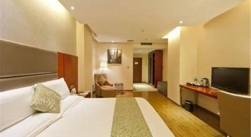 Budget Double Room Kay Rafael Boutique Hotel