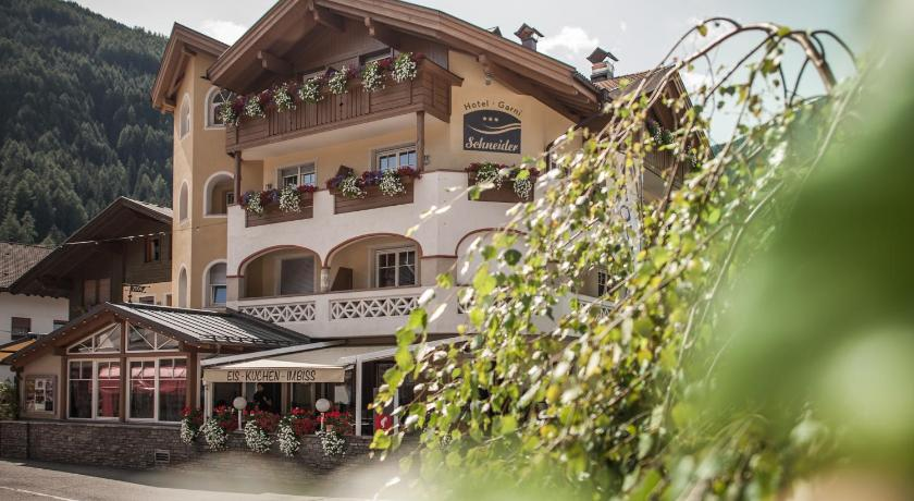 More about Hotel Garni Schneider
