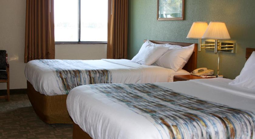 Double Room with Two Double Beds Barkers Island Inn Resort & Conference Center