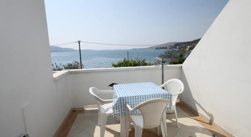 One-Bedroom Apartment with Terrace and Sea View - Balcony/terrace Apartment Metajna 6466f