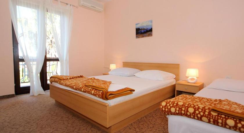 Triple Room Cavtat 4733k