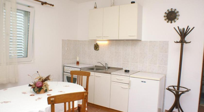 See all 24 photos Apartment Trstenik 4512a