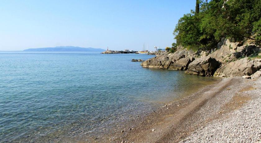 Beach Apartment Opatija 7803b