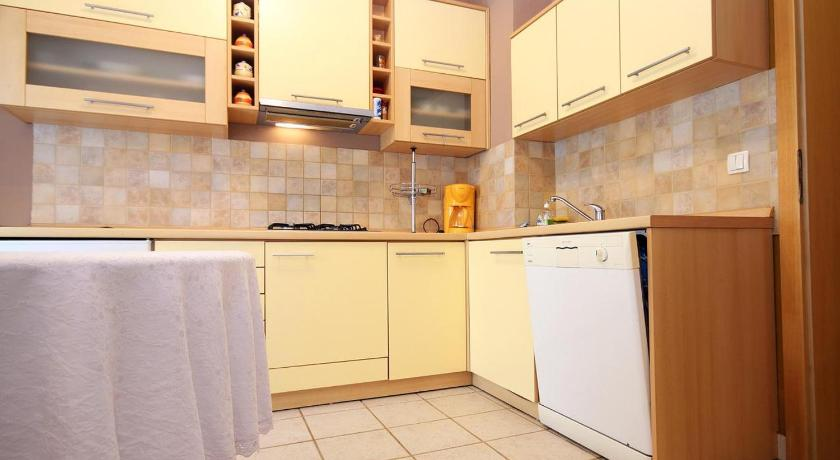 Apartment Stara Novalja 9416b