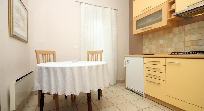See all 25 photos Apartment Stara Novalja 9416b