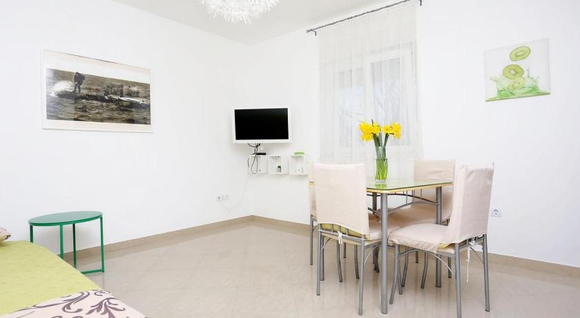 Apartment Omis 10351a