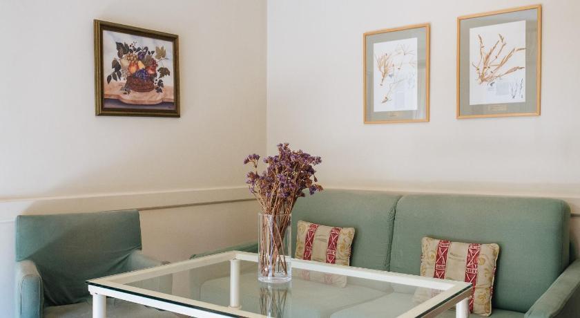 At Apartamentos & Vtv Conde De Torrejón 10-11894491