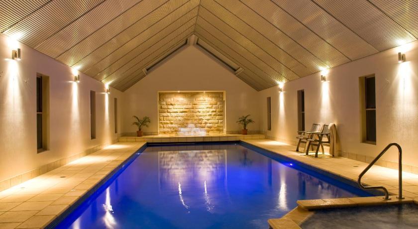 Australia Hotel Booking | Lonsdale Views Hotel