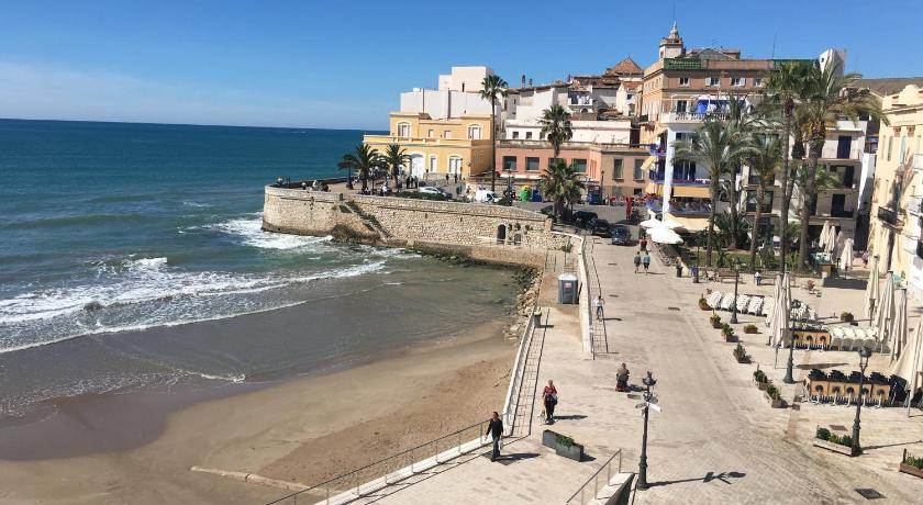 пляж SitgesNow Mayor