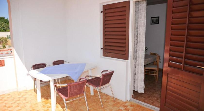 Apartment Novalja 211a
