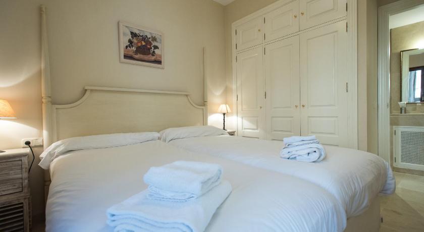 At Apartamentos & Vtv Conde De Torrejón 10-11894387