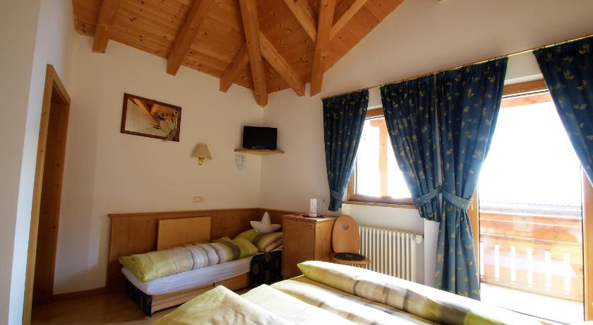 Superior Triple Room Pension Mirandola