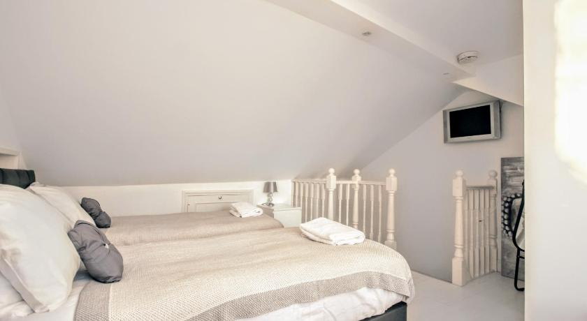 Four bedroom holiday home  - Guestroom Seagulls