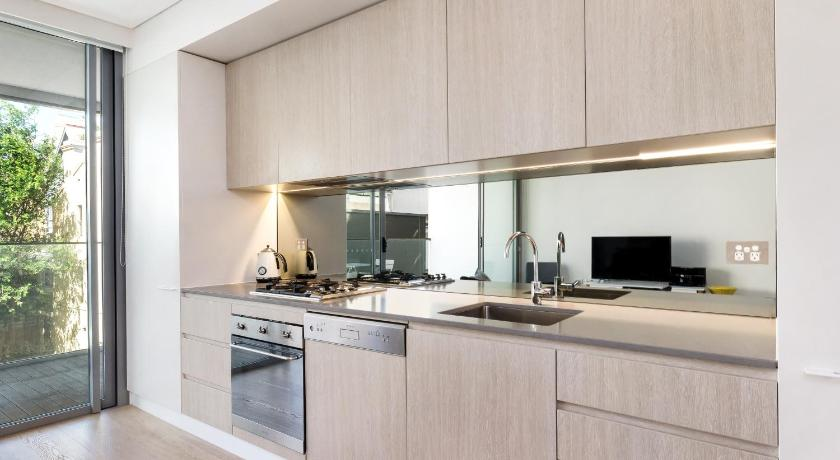 One-Bedroom Apartment Darlinghurst Fully Self Contained Modern 1 Bed Apartment (103FAR)