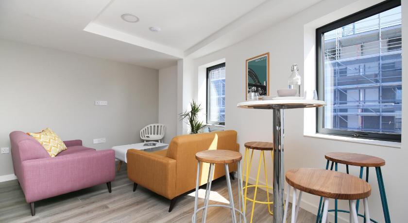 Apartment St James View Week2Week Newcastle