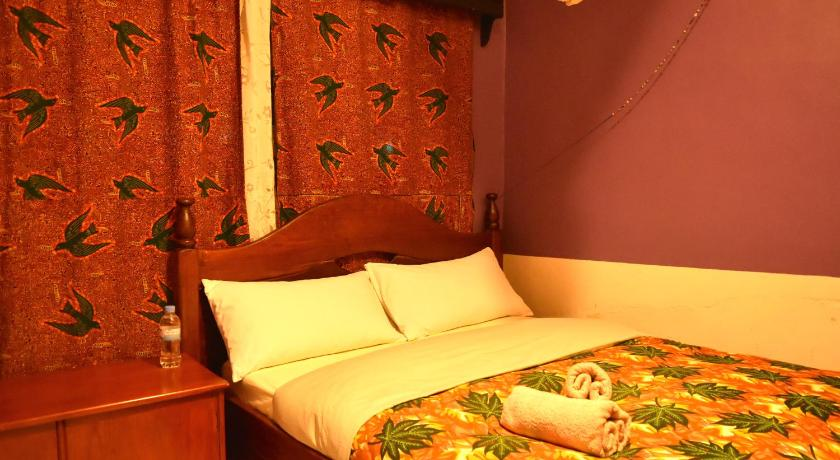 Single Room with Shower Amahoro Guest House