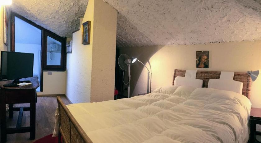 Appartamento Alessia con tre camere da letto e vista lago a ...