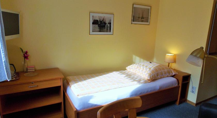 Garni Hotel-Pension Holum