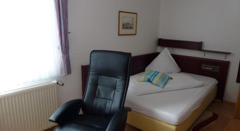 Standard Single Room Hotel Wildunger Hof