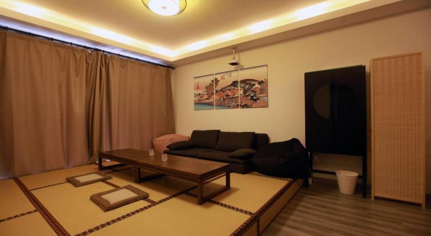 Japanese Style Apartment | Book online | Bed & Breakfast Europe