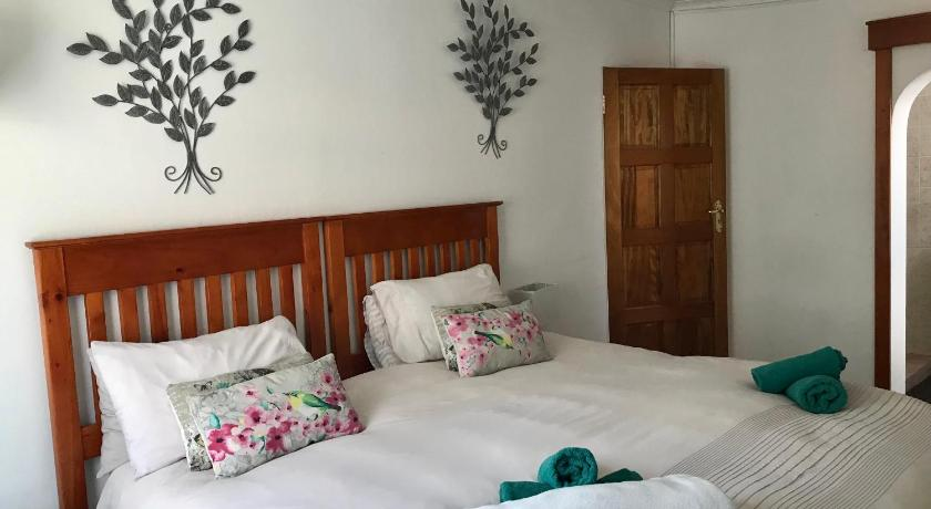 Deluxe Double or Twin Room with Shower La Bella B&B Under The Fig Tree