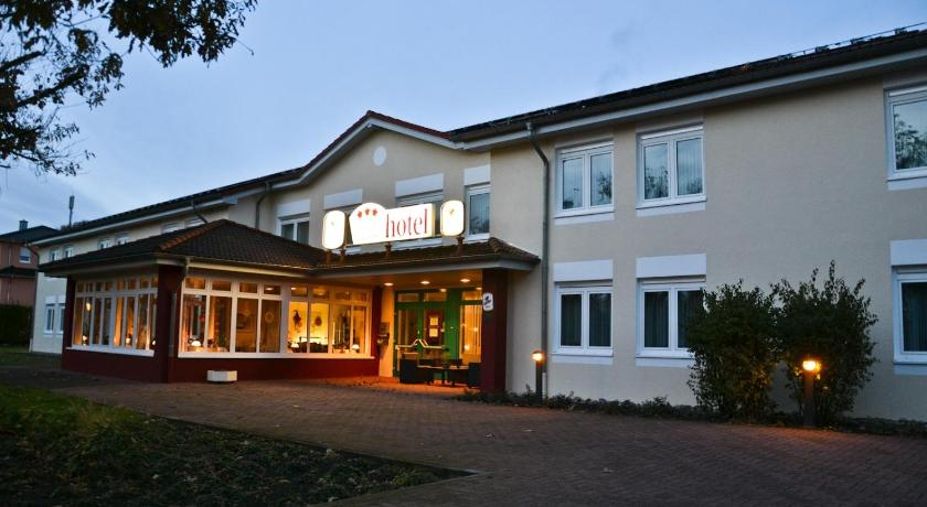 More about Lohne Business Hotel