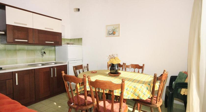 Apartment Rogoznica 7541b