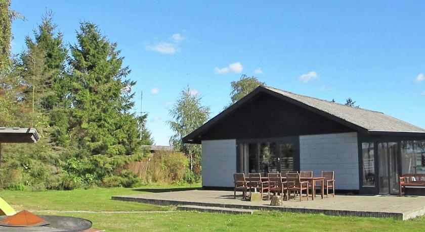 Four-Bedroom Holiday home in Væggerløse 2