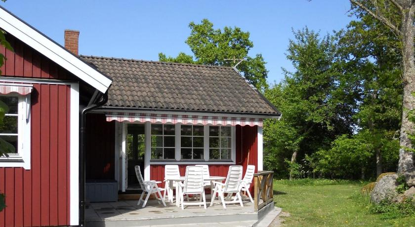 Two-Bedroom Holiday home in Byxelkrok 1