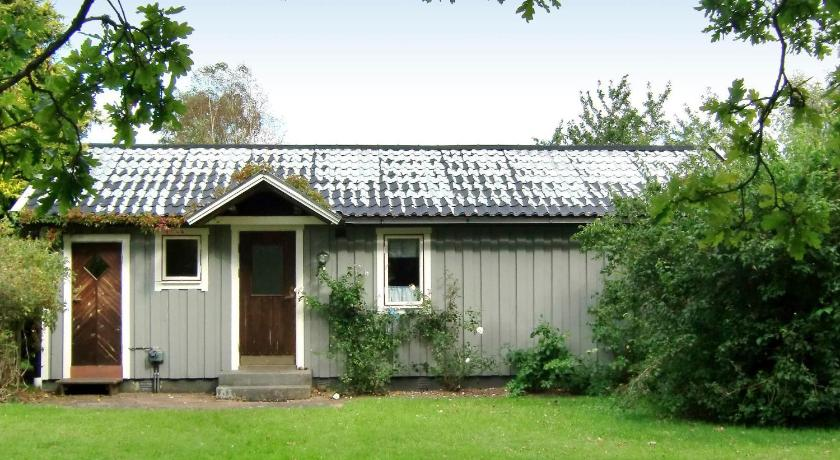 Three-Bedroom Holiday home in Haverdal 1