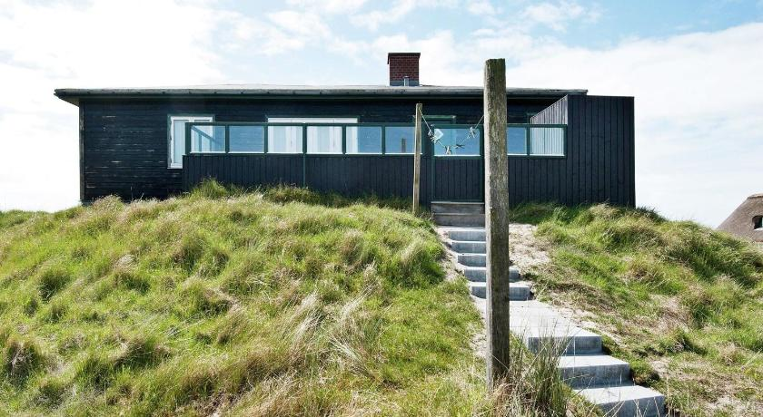 Two-Bedroom Holiday home in Fanø 11