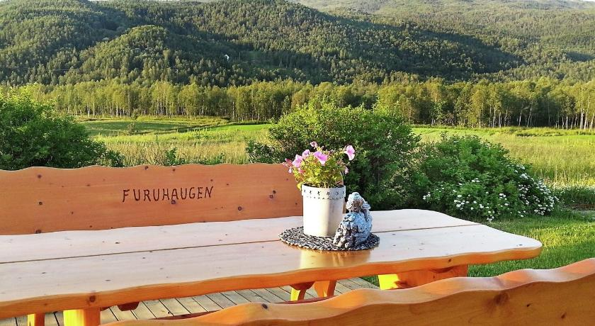 Five-Bedroom Holiday home in Ballangen