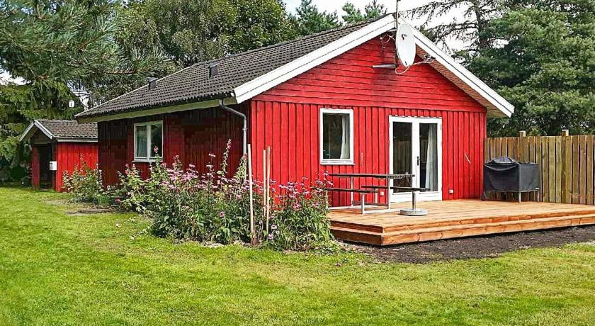 Two-Bedroom Holiday home in Rødby 10