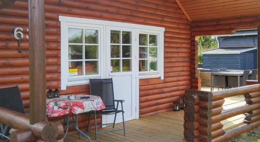 Two-Bedroom Holiday home in Hovborg 3