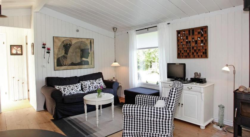 Two-Bedroom Holiday home in Præstø 3