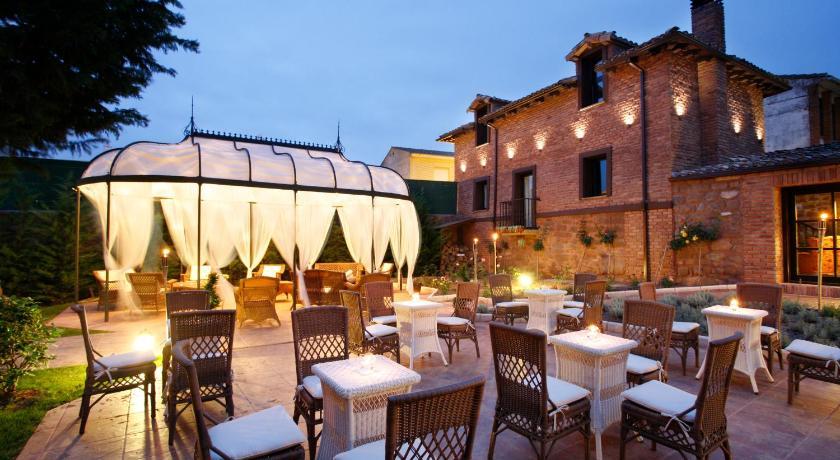 habitaciones con cama dosel en La Rioja  Imagen 54