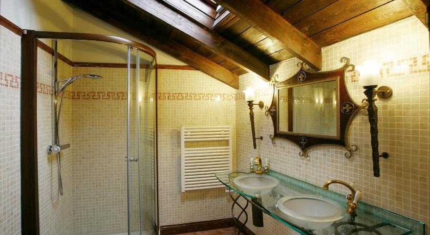 habitaciones con cama dosel en La Rioja  Imagen 39