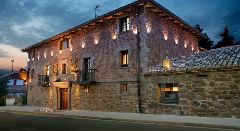 habitaciones con cama dosel en La Rioja  Imagen 33
