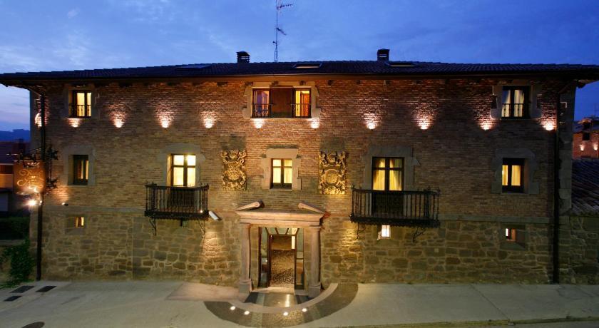 habitaciones con cama dosel en La Rioja  Imagen 31