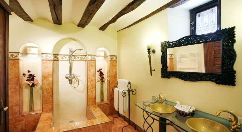 habitaciones con cama dosel en La Rioja  Imagen 47
