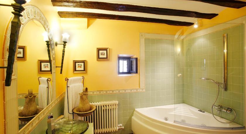 habitaciones con cama dosel en La Rioja  Imagen 36