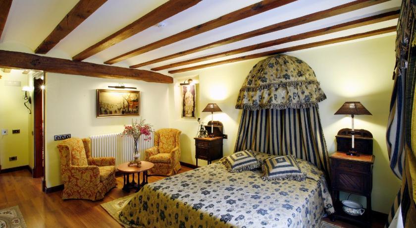 habitaciones con cama dosel en La Rioja  Imagen 42