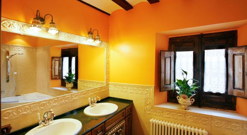 habitaciones con cama dosel en La Rioja  Imagen 46