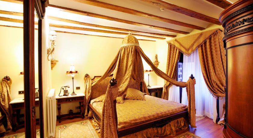 habitaciones con cama dosel en La Rioja  Imagen 2