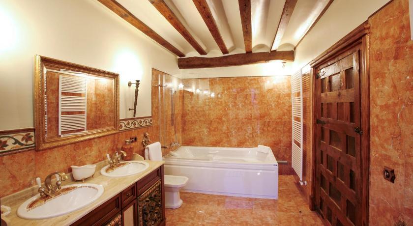 habitaciones con cama dosel en La Rioja  Imagen 12