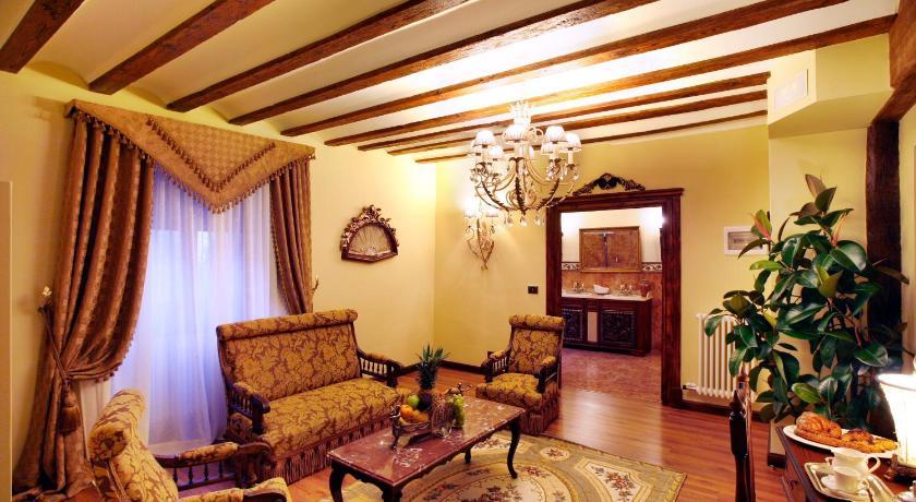 habitaciones con cama dosel en La Rioja  Imagen 11