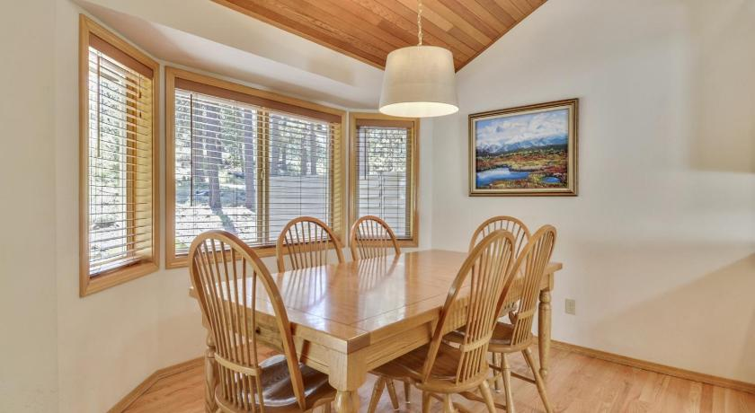 Hart Mountain 18 Holiday Home