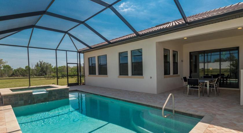 Piscina Rosedale 01 Holiday home